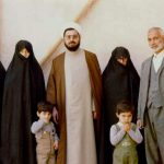 حسن روحانی با خانواده (پدر و مادر، همسر، خواهر و فرزندان)