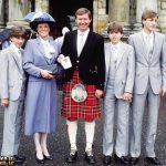 الکس فرگوسن به همراه همسر و فرزندان +عکس