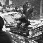 عکس نایاب از لحظه تصادف دختر انقلابی ایرانی