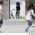 کشف حجاب دو دختر در پارک لاله