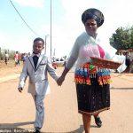 ازدواج پسر 9 ساله با یک پیرزن 62 ساله + عکس