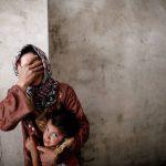 برخورد وحشیانه اراذل اوباش داعش با زنان و دختران سنی + فیلم