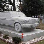 گرانترین و عجیب ترین سنگ قبر + عکس