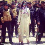 سرباز زن زیبای کرد با کفش پاشنه بلند! + عکس