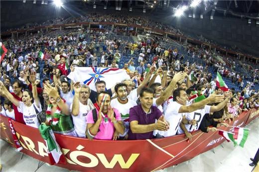هواداران والیبال عکس والیبال تماشاگران والیبال تماشاگران ایرانی والیبال iran fans