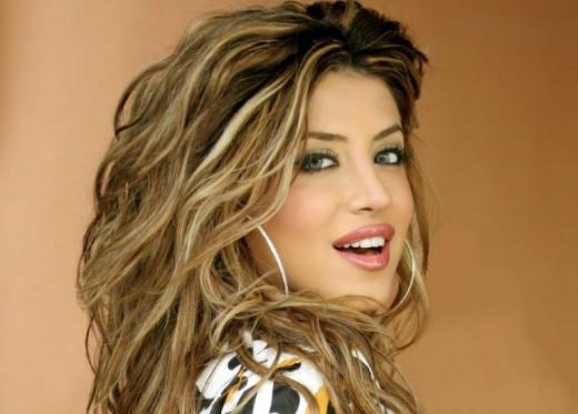 همسر لیلا میلانی مانکن زیبا بیوگرافی منوچهر خوش بین بیوگرافی لیلا میلانی Leyla Milani