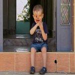 پسری در آرزوی زندگی عادی + (عکس ۱۸)