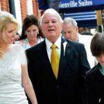 ازدواج یک فرماندار ۸۴ ساله با دختر ۳۲ ساله + عکس