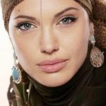 بازیگران معروف زن غیر مسلمان با حجاب و روسری + عکس