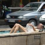 حمام کردن به صورت برهنه در بلوار دانشجوی شیراز (این دیگه آخرشه) + عکس
